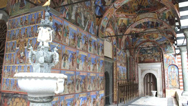 東欧ブルガリアの首都ソフィアで必見の教会・修道院ベスト4